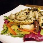 ワインバル ピノ - つぶ貝とエリンギのガーリックソテー