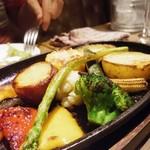 ワインバル ピノ - 野菜のオーブン焼き ストウブで