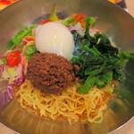 ガスト - 料理写真:肉みそとサラダのピリ辛冷やし担々麺