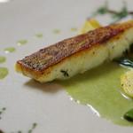 レストラン リュウ - 伊勢真鯛のポワレ、クロロフィラソース