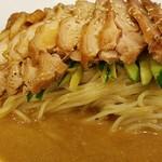 萬福 - 鶏肉は味がシミシミ
