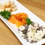 KICKS - チーズ盛り合わせ