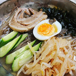 70711436 - 冷麺