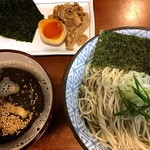 輪虎 - 「煮干し醤油つけ麺・中盛り(一玉半)+ちょこっと盛り(半玉 メンマ 海苔)」(2017.07)