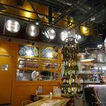 クイーン オブ チキンズ - 先日、ヨドバシAkibaに行った時に昼飯を食べようと思ってレストラン街を色々と歩いてみた結果、この日は 「クイーン オブ チキンズ ヨドバシAkiba店」に入ってみることにしました。