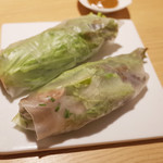 讃岐うどん あ季 - サニーレタスと鶏肉の生春巻き(1本180円・外税)