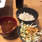 回向 - ランチのご飯サラダとお味噌汁