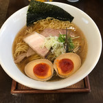 麺ゃ しき - 醤油しき麺(大盛) ※濃厚玉子追加
