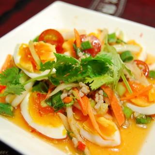 【おすすめ料理②】ヤムカイダオ(タイ風卵のピリカラサラダ)