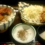 70725701 - ミニうな丼と唐揚げセット972円