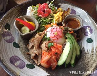 益子の茶屋 - 栃木産もち豚のビビンパ風プレート