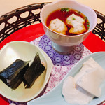 華花 - 生とろろの酢の物、自然薯の海苔巻き、中津川の豆腐