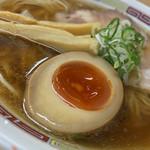 煮干鰮らーめん 圓 - 煮干鰮らーめん 圓(えん)(東京都八王子市横山町)煮干しらーめん(薄口醤油)