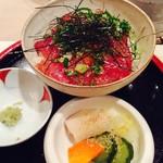 里山料理 じろう亭 - 漬けマグロのお茶碗寿司