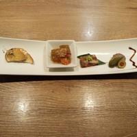 円居-前菜の盛り合わせ