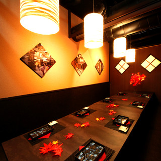 団体様や会社宴会など大人数に最適の個室空間へご案内します…♪