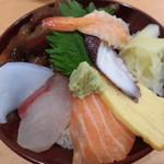 魚河岸の居酒屋 えびす大黒 - 海鮮丼 480円