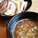 麺屋 武双 - 料理写真:特製つけ麺(税込900円)
