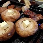 焼肉39ゴリラ - 肉厚の椎茸