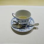 70746890 - 和良川の鮎のスープ