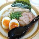 ソラノイロ ナゴヤ - 金の煮干し麺(醤油 味玉入り)