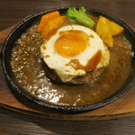 札幌牛亭 - ハンバーグ180g(S) ミディアムレア チーズ 半熟目玉焼きトッピング1