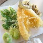 Hotel Sea Shell - キス、空豆、明日葉、シメジ