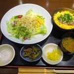 70750078 - ランチ:ラーメンサラダと小丼セット