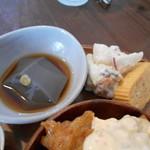 ととの台所 - 黒ごま豆腐、フルーツサラダ、出汁巻