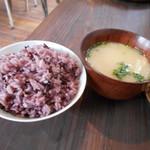 ととの台所 - 黒米ブレンドと味噌汁~