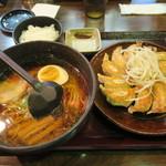 五味八珍 - 浜松餃子+ラーメンセット