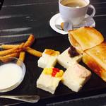 スマイルカフェ - 料理写真:ブレンドコーヒー400円とオープンサンドのモーニング