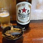 百万石 - ビール&お通し(豆鯵の唐揚げ)