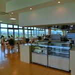 キッチン ユーカリが丘 - キッズスペースもある開放的な店内