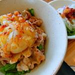 キッチン ユーカリが丘 - 花咲く玉ねぎ島ポーク丼