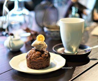 サルトリイバラ喫茶室 - 有機人参ケーキ、甘チャイ
