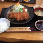 とんかつ 喜楽 - 奥さんオーダーの鹿児島産ロースカツ定食-1(((o(*゚▽゚*)o)))♡