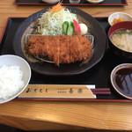 とんかつ 喜楽 - 奥さんオーダーの鹿児島産ロースカツ定食-2(*^▽^*)