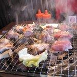 鶏小家 ながくら - 七輪でじっくり焼くので遠赤外線でとってもふわっとした食感で地鶏の旨みがギュッと濃縮されてる感じです。