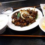 登龍門 - 揚げ鶏肉の甘黒酢味