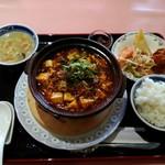 中国料理 天安門 - 「朝天唐辛子の四川麻婆豆腐定食」972円