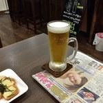 パドック - ビール2杯めー。