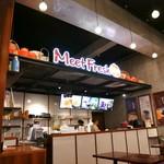 MeetFresh 鮮芋仙 - カウンターにて注文・会計。セルフスタイルです