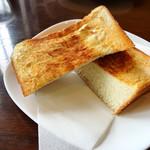 サトリ珈琲店 - 厚切りトースト