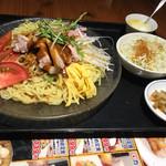 えん弥 - 料理写真:ゴマダレ冷やし麺大盛