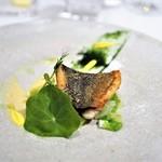 ラドニス - イサキのポワレ キャベツのブレゼ 瀬戸内レモンバターソース