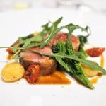 ラドニス - フランス産 仔羊鞍下肉のロースト ヴァドゥーヴァン風味