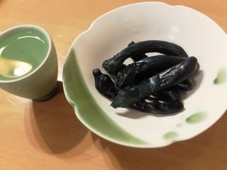 岡田の仙台長なす漬本舗 卸町本店 - お気に入りの杯とお皿で♪