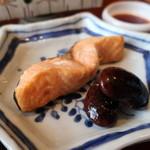 お料理 とみやま - 鱒の焼物 花豆添えアップ