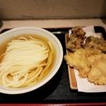 70782283 - 【2017/7】冷かけ(中)+鶏天+舞茸天
